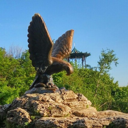 скульптура орел в пятигорске