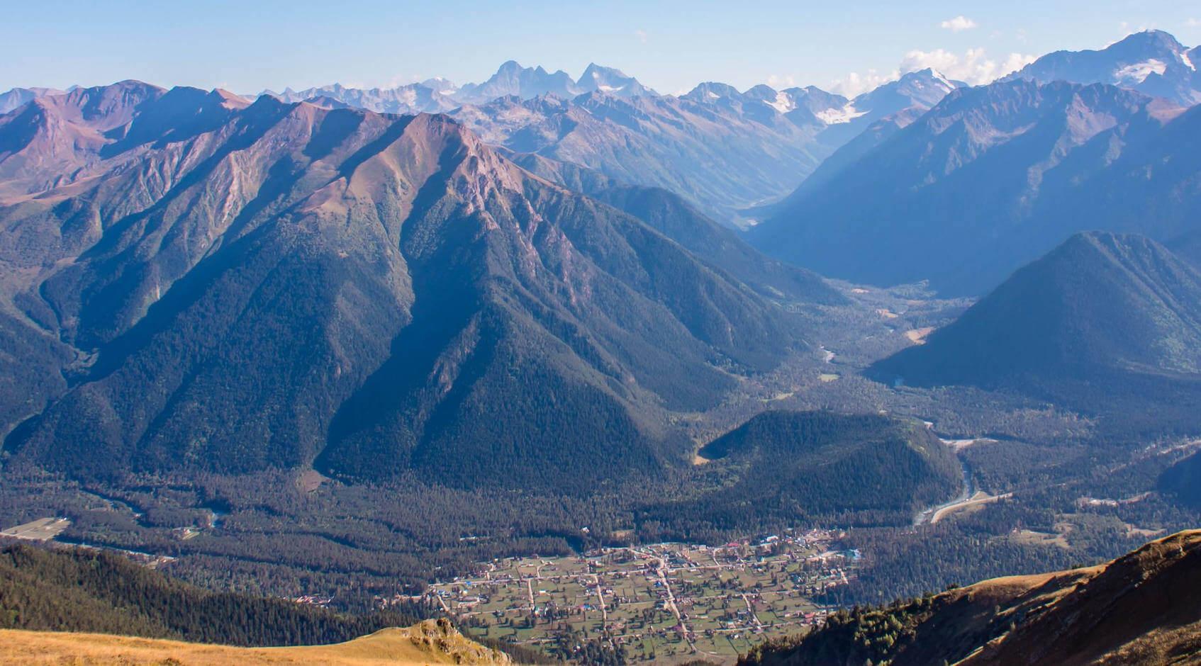 панорама Архыза с хребта